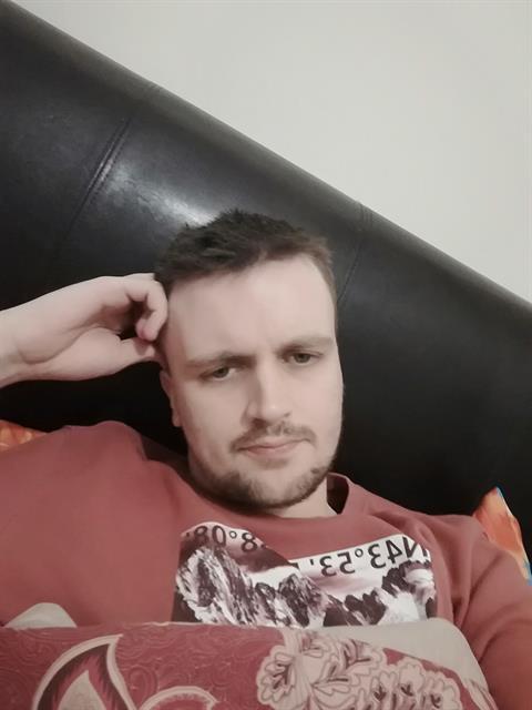 BG6644 profile photo 1