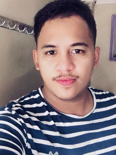 Dating profile for Calvindrey from Manila, Philippines