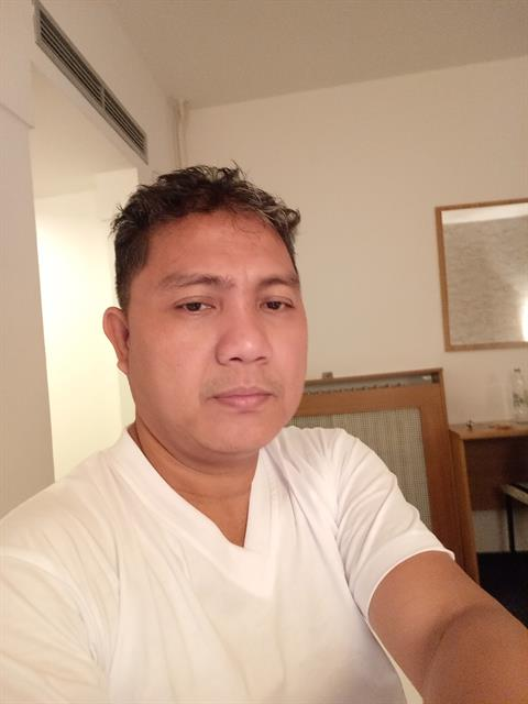 Dating profile for maui70 from Manila, Philippines