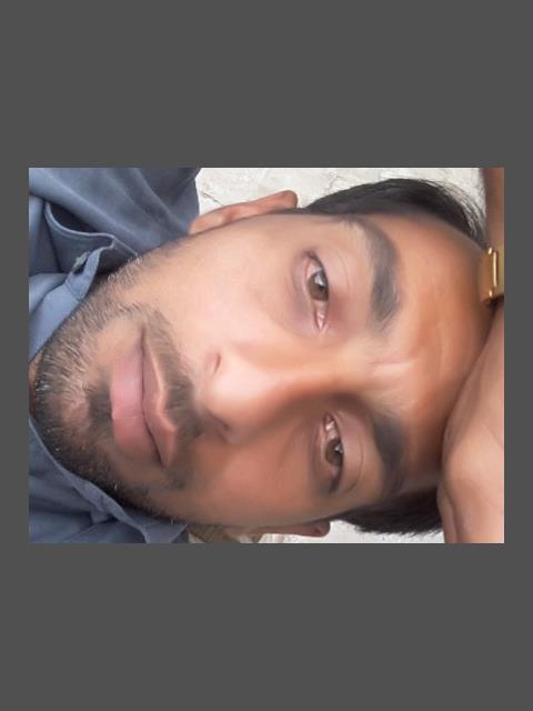 Ali z profile photo 0