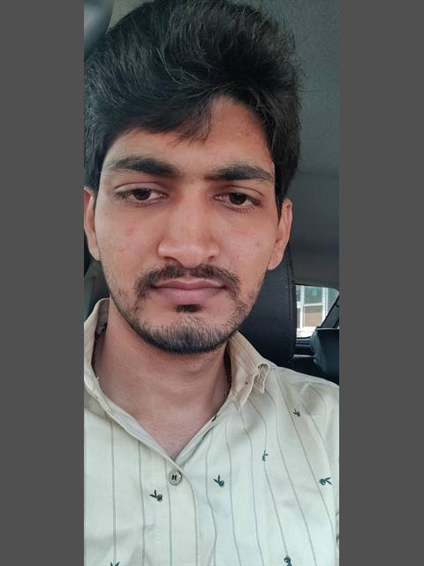 Dating profile for Hrdk2123 from Mumbai, India