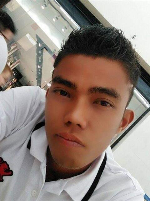 Dating profile for Renz28 from Davao City, Philippines