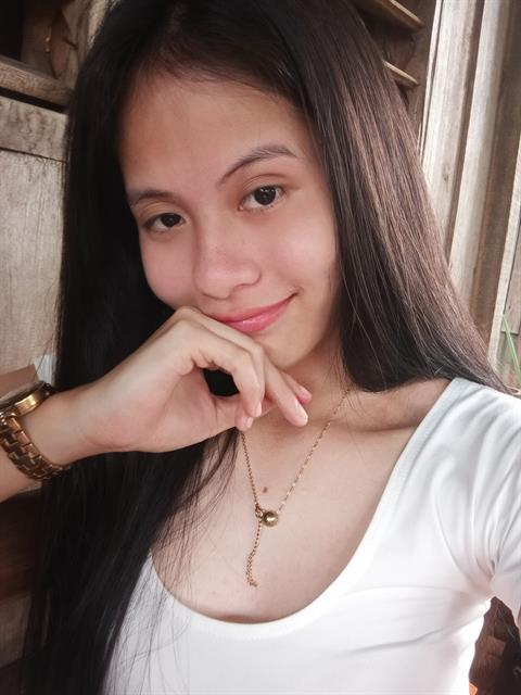 Dating profile for Emarie from Davao City, Philippines