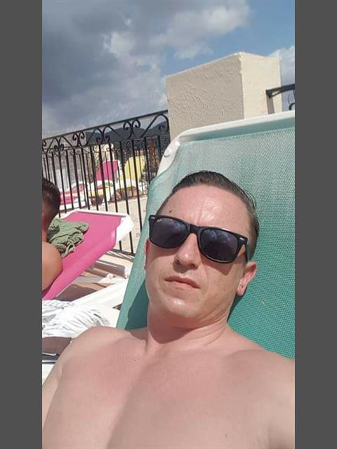 Dating profile for Kyle69 from Cardiff, United Kingdom