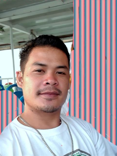 Dating profile for Junard from Cebu City, Philippines