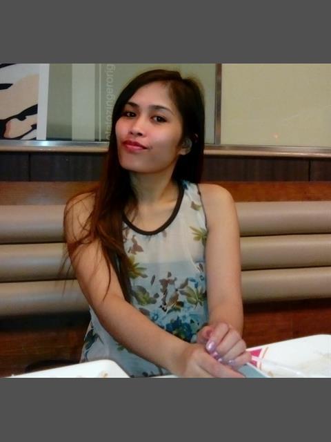 angelhendina profile photo 2