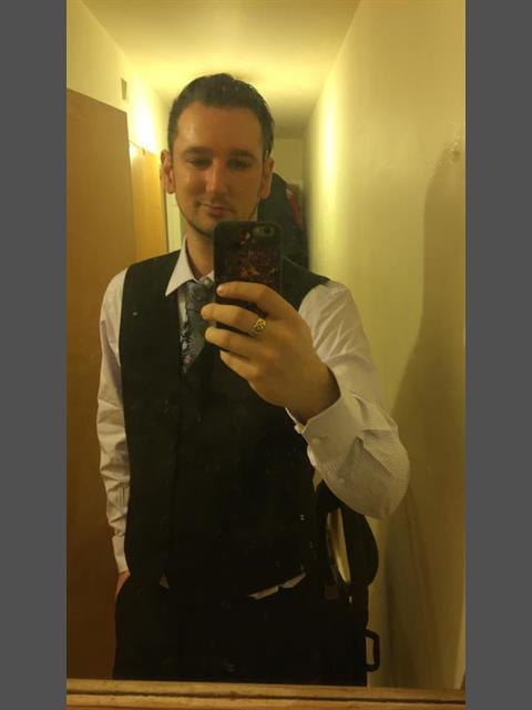 Dating profile for elninomatt from Ossett, United Kingdom