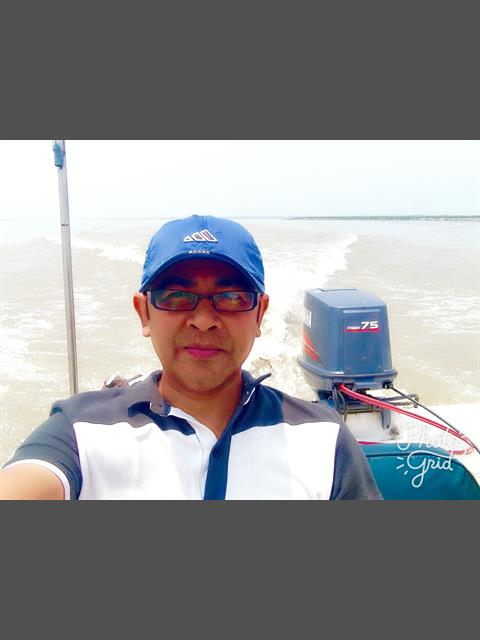 Dating profile for Alex42Male from Manila, Philippines
