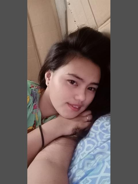 Dating profile for Emelyn H Altarejos from Quezon City, Philippines
