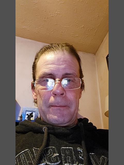 Dating profile for Dazza1969 from Cardiff, United Kingdom