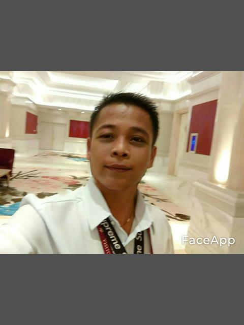 Dating profile for Reggie boy from Manila, Philippines