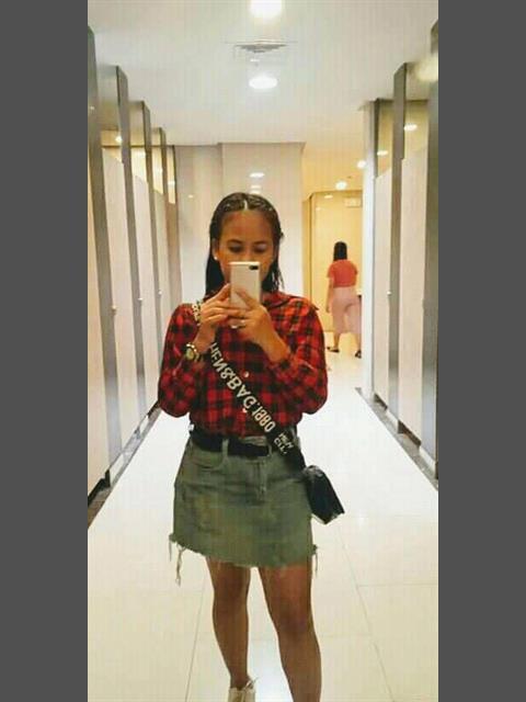 April mae profile photo 1