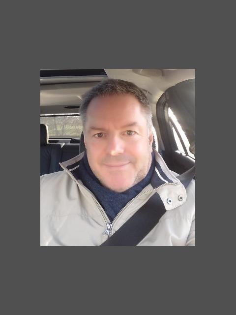 Mr. Right profile photo 1