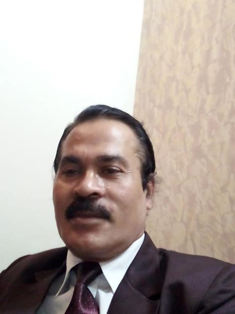 Dating profile for shailesh  gujral from Delhi, India